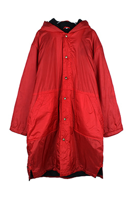 RED BENCH COAT
